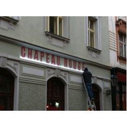 Nový light design v Chapeau Rouge